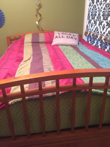 Double bed with Single Trundle bed below