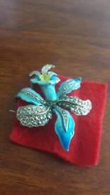 Custom vintage jewellery