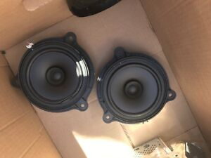 2012 Nissan Frontier factory speakers and 6 disk deck