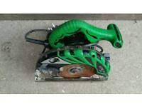 Hitashi circular saw in fully working! Blade is very sharp!can deliver or post!