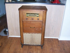 Antique Rogers Majestic Cabinet Radio/Record Player (Display Onl