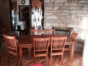 *** Solid Wood Dining Set *** Large Table, 6 Chairs, Hutch