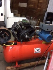 Air Compressor for sale, Great for Shop