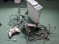 Xbox 360 - Doesn't Turn On, with wireless rechargeable controller