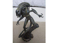 Alien Warrior Statue 356 / 1000 Sideshow Collectible