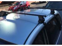 Thule roof bars 761 and Thule foot pack 754 for sale