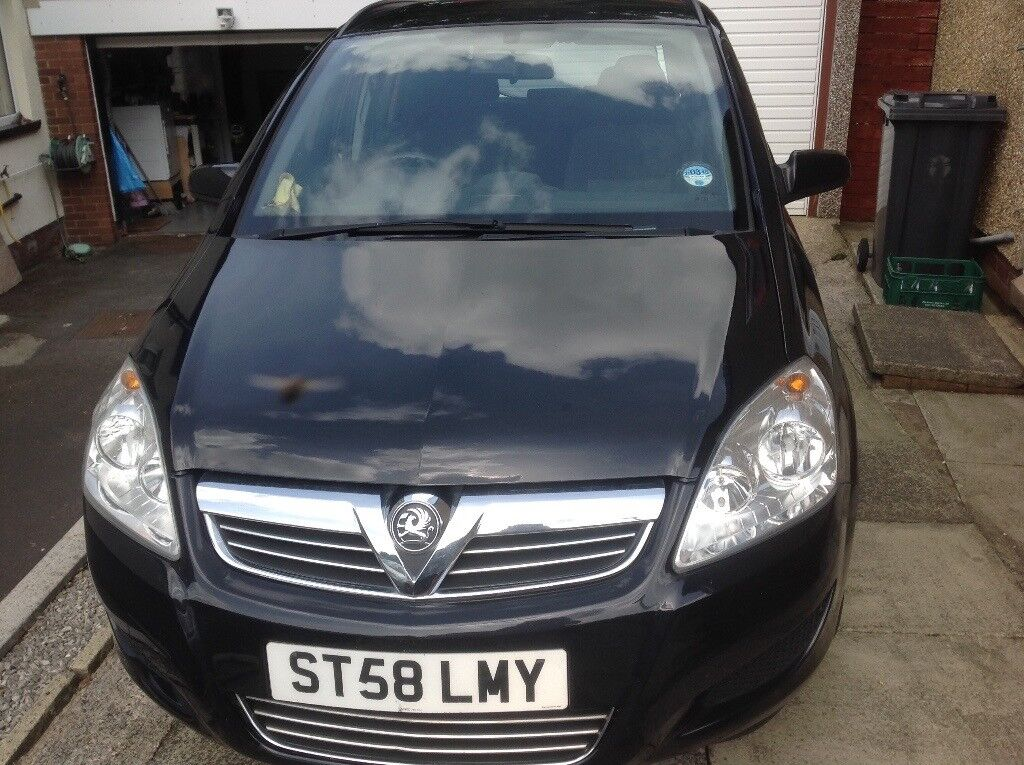 Black Vauxhall Zafira Exlusiv 1.6 . 2 owners from new 55,000 miles. 8 months mot.