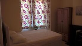 Double room in popular location..