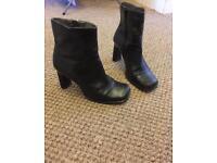 Women's boots UK 5