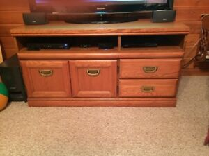 Solid wood TV stand - Fort Frances
