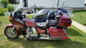 Kawi Voyager 1200 with sidecar . Awesome vintage cruiser
