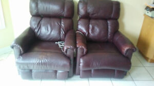 TWO Beautiful Lazy Boy Brown Leather recliner