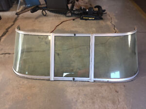 Taylor Made Curved Glass Windshield