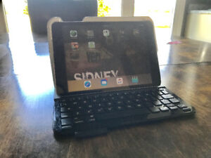 Logitech wireless keyboard and case for IPad Mini
