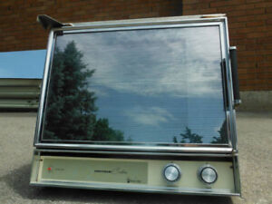 Airstream custom propane wall oven by Magic Chef, new condition,