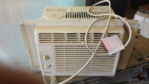air conditioner 5000 BTU works great