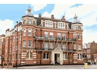 4 bedroom flat in Finchley Road, Hampstead, NW3