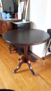 Vintage Andrew Malcolm  games/lamp table