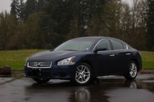 Nissan Maxima - 2012 (Great car/Perfect Condition)