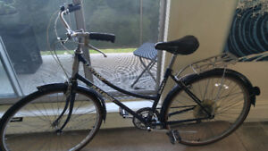 Raleigh vintage bike - excellent condition - $160