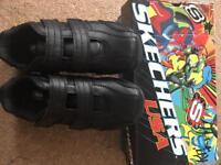 Boys school shoes sketchers BNIB size uk3