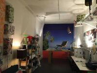 ART/DESIGN STUDIO SPACE AVAILABLE IN EAST LONDON - Furnished & equipped (imagine it w/o my stuff!)