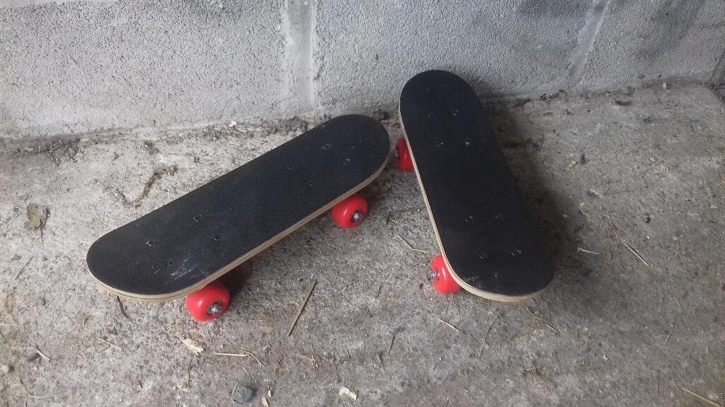 Mini skateboards x2