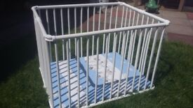 Geuther Lucy/Lucilee Folding Wooden Playpen Height Adjustable white zebra blue - Collection 2017