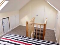 Double loft room close to tube station and in a house with garden, N15 -ALL BILLS AND WI_FI INCLUDED