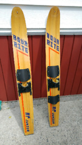 2 Water skis for sale.