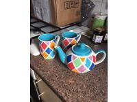 Whitard teapot and mugs