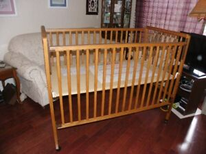 3-in-1 Crib / Toddler Bed / Day Bed