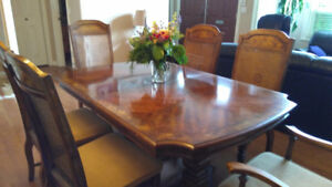 8 seat dining suite with sideboard/hutch
