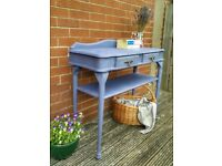Stunning 2 Drawer Console Hall Table