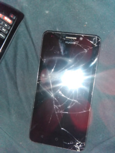 Cell phone for sale, cracked screen