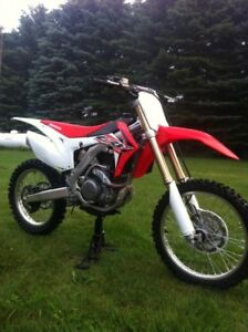 Brand NEW CRF450R. Crazy Deal!