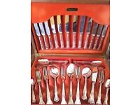 WEBBER & HILL CUTLERY SET WITH WOODEN CANTEEN