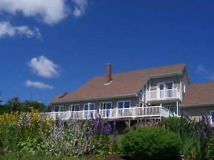 Panoramic Ocean Views/Family Home/Furnished Option