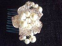 Girls pearl/silver tiara hair grip