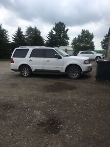 Lincoln Navigator part out or whole as is !!!!