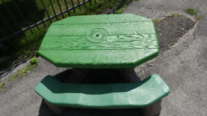 Step 2 Naturally Playful Picnic Table without Umbrella