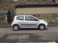 2011 11 reg RENAULT TWING0 1.2cc *NEW MOT* LOW MILES £30 YEAR ROAD TAX MAY PART X SWOP SAME AS CLIO
