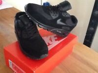 Black Nike air max trainers/good for back to school