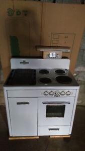 Cuisinière antique McClary électrique et bois