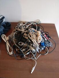 Joblot of USB cables, various connections, lengths, etc.