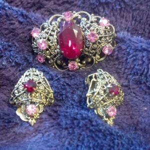 Vintage 1920's Czech brooch and earrings.