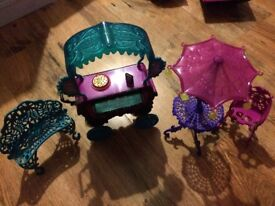 Monster High, Scaris City of Frights! Cafe Playset