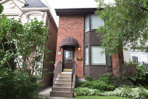 Detached 3 Storey House for Rent - Yonge & Lawrence