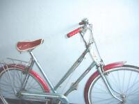 Beautiful Lightweight Dutch Style 3 speed ladies bike, Serviced