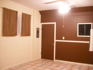 Enderby bachelor suite in Tri-Plex OCT 1